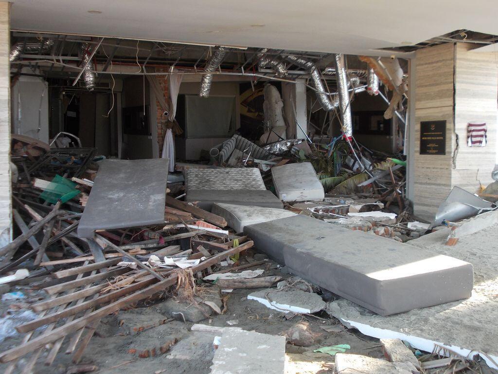 L'entrée de l'hôtel Mercure à Palu.