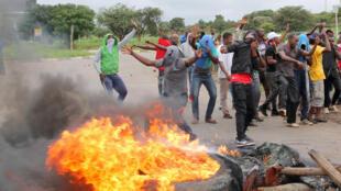 Barricade pendant le mouvement de protestation, à Harare, le 15 janvier 2019 (image d'illustration).