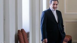 عباس عراقچی، معاون سیاسی وزیر امور خارجه ایران قبل از برگزاری نشست فوقالعاده کمیسیون مشترک برجام در وین، به عنوان نماینده ویژه رئیس جمهوری اسلامی ایران در روز سهشنبه اول  مرداد/ ٢٣ ژوئیه عازم پاریس شد.