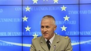 Le général Bruno Guibert (ici à Bruxelles le 17 septembre 2013) achève sa mission d'un an à la tête de Barkhane.