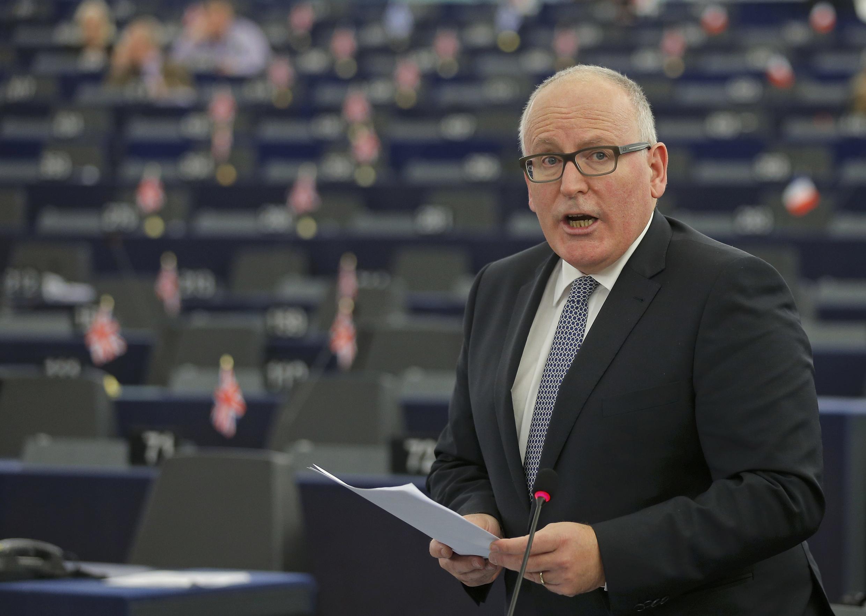 Phó Chủ tịch Ủy ban Châu Âu Frans Timmermans thông báo một loạt biện pháp tăng cường kiểm soát biên giới, trước Nghị viện Châu Âu, ngày 15/12/2015.