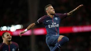Neymar: dois gols e show de bola no primeiro jogo em casa pelo PSG.