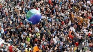Niños, estudiantes y activistas manifestan en Viena contra el cambio climático. Viena, Austria, 27 de septiembre de 2019.