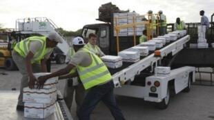 Hàng viện trợ lương thực cho Somalia - REUTERS