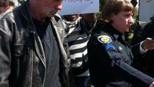 Le pasteur Terry Jones à son arrivée au palais de justice de Dearborn jeudi 21 avril 2011.