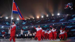 Equipe norte-coreana desfila na abertura dos Jogos Paralímpicos de Inverno em Pyeongchang, em 9 de março de 2018.