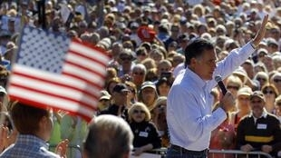 Pré-candidato Mitt Romney espera aumentar vantagem sobre Newt Gingrich.