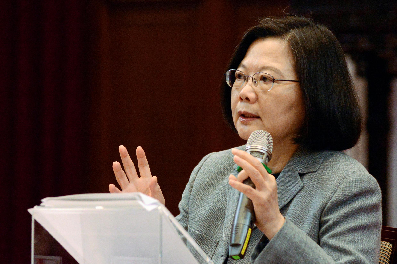 Tổng thống Thái Anh Văn phát biểu trong cuộc họp báo tại Đài Bắc ngày 05/01/2019, kêu gọi quốc tế hỗ trợ Đài Loan chống âm mưu sát nhập của Trung Quốc.