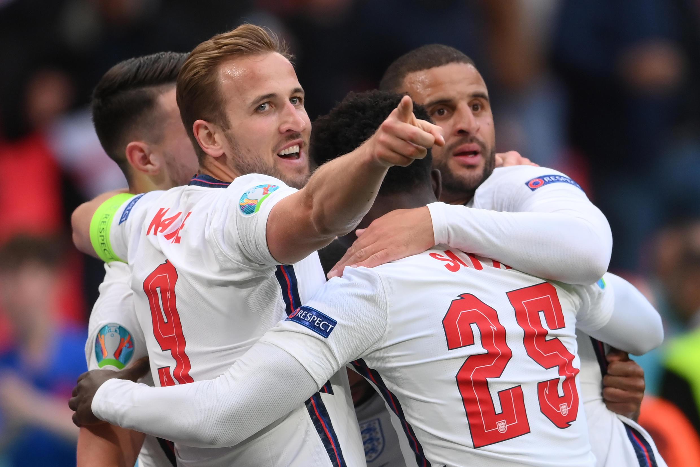 England celebrate Raheem Sterling's goal against the Czech Republic