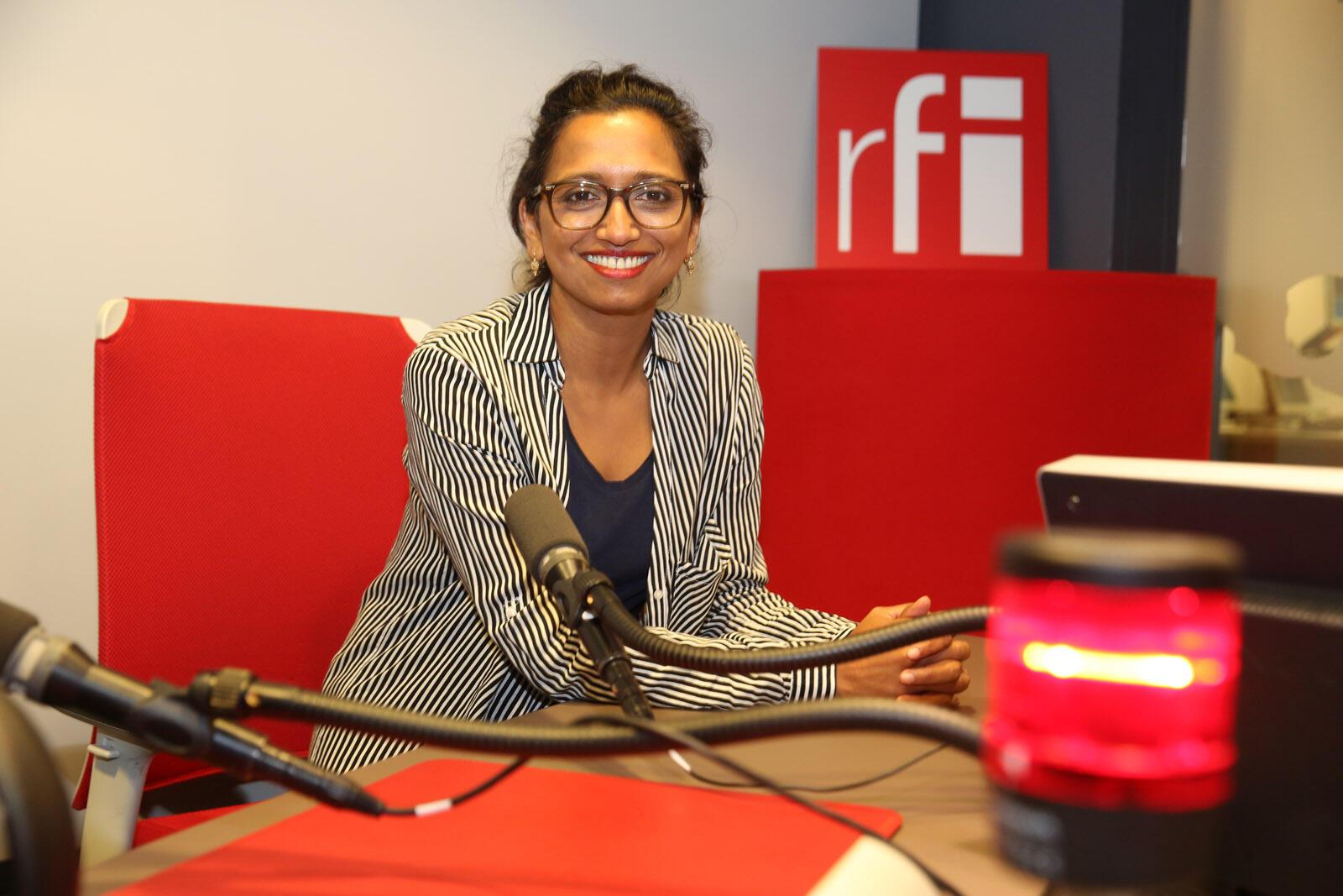 Nathacha Appanah en studio à RFI.