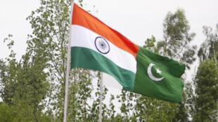 پرچمهای پاکستان و هند