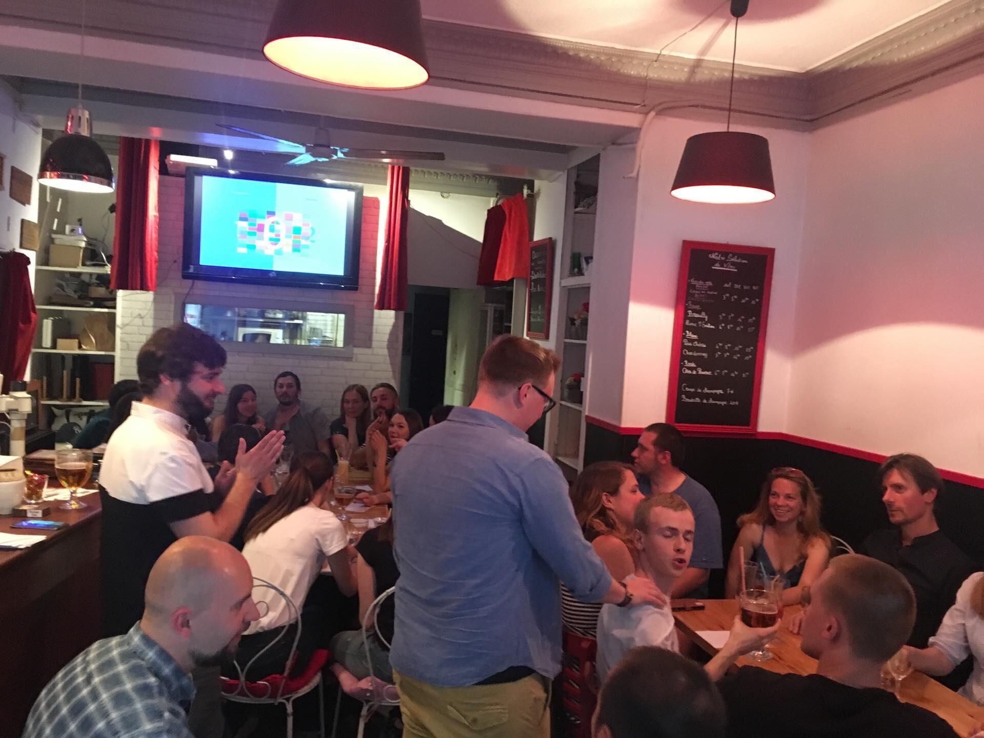 «Ламповые» игры проходят в кафе, на них приходят по 30-40 человек