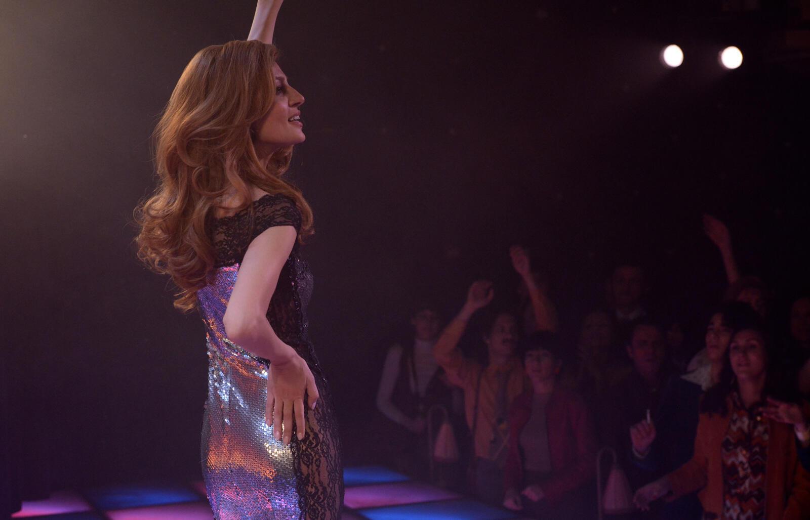 Imagem do filme «Dalida», de Lisa Azuelos, com Sveva Alviti.