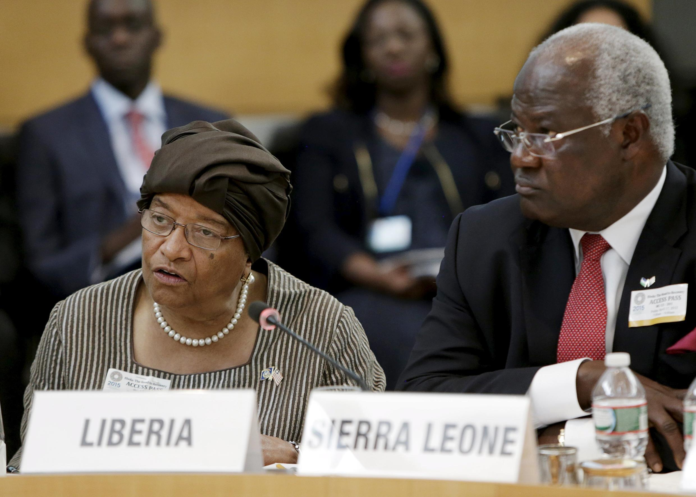 Liberian President Ellen Johnson Sirleaf and Sierra Leonean President Ernest Bai Koroma in Washington, 17 April 2015
