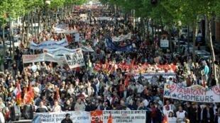 Défilé du 1er-Mai à Grenoble, en France, pour la Fête des travailleurs, le 1er mai 2009.