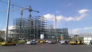ساختمان در حال ساخت متعلق به سپاه پاسداران انقلاب اسلامی در میدان سپاه