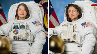 As astronautas Christina Koch (esq.) e Jessica Meir.