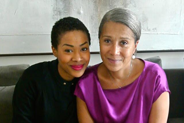 Shade Affogbolo (G) et Nafi Diarra, mère et fille dans le stylisme.