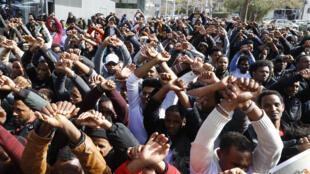 Акция протеста против высылки нелегальных мигрантов в Герцлии 22 января 2018 года