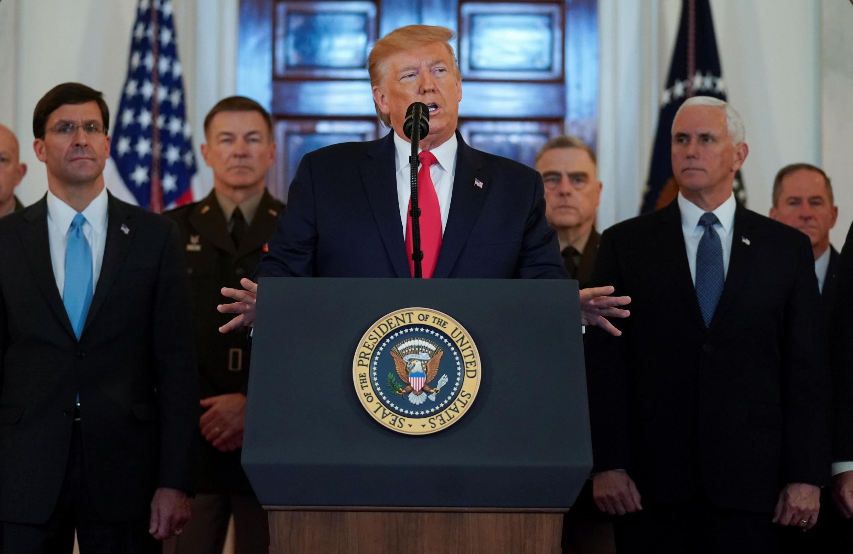 Presidente Donald Trump discurso na Casa Branca, ao lado do alto escalão do Pentágono. (08/01/2020)