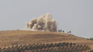俄军轰炸霍姆斯以北的哈马2015年10月14号叙利亚