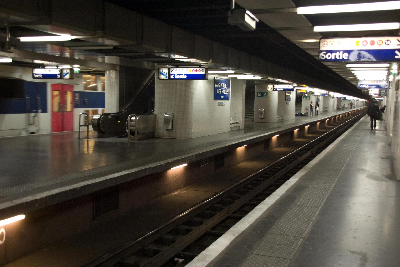 La station de Chatelet-les-halles station in Paris
