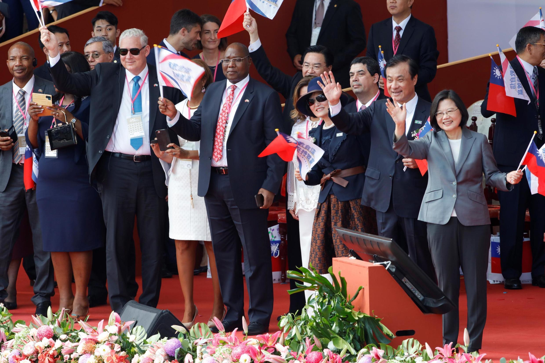 蔡英文在總統府前舉行的國慶慶典活動中 2019年10月10日