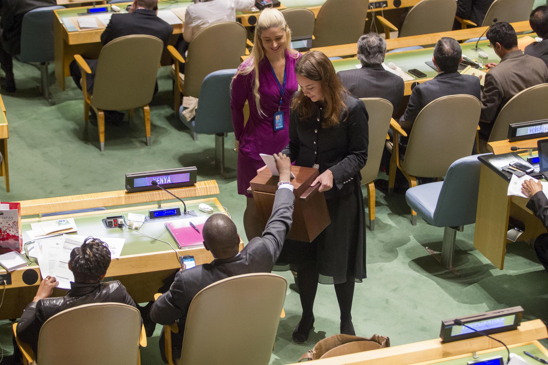 Các thành viên Liên Hiệp Quốc đang bỏ phiếu bầu Hội Đồng Nhân Quyền ngày 28/10/2016.