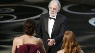 """Michael Haneke recebe Oscar por """"Amor""""."""