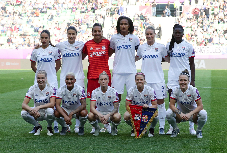 Le onze des Lyonnaises au coup d'envoi de la finale de la Ligue des champions 2019 contre le Barça.