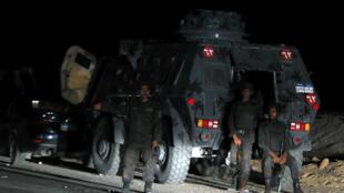 Des éléments de l'armée égyptienne à Minya après une attaque terroriste, le 2 novembre 2018.