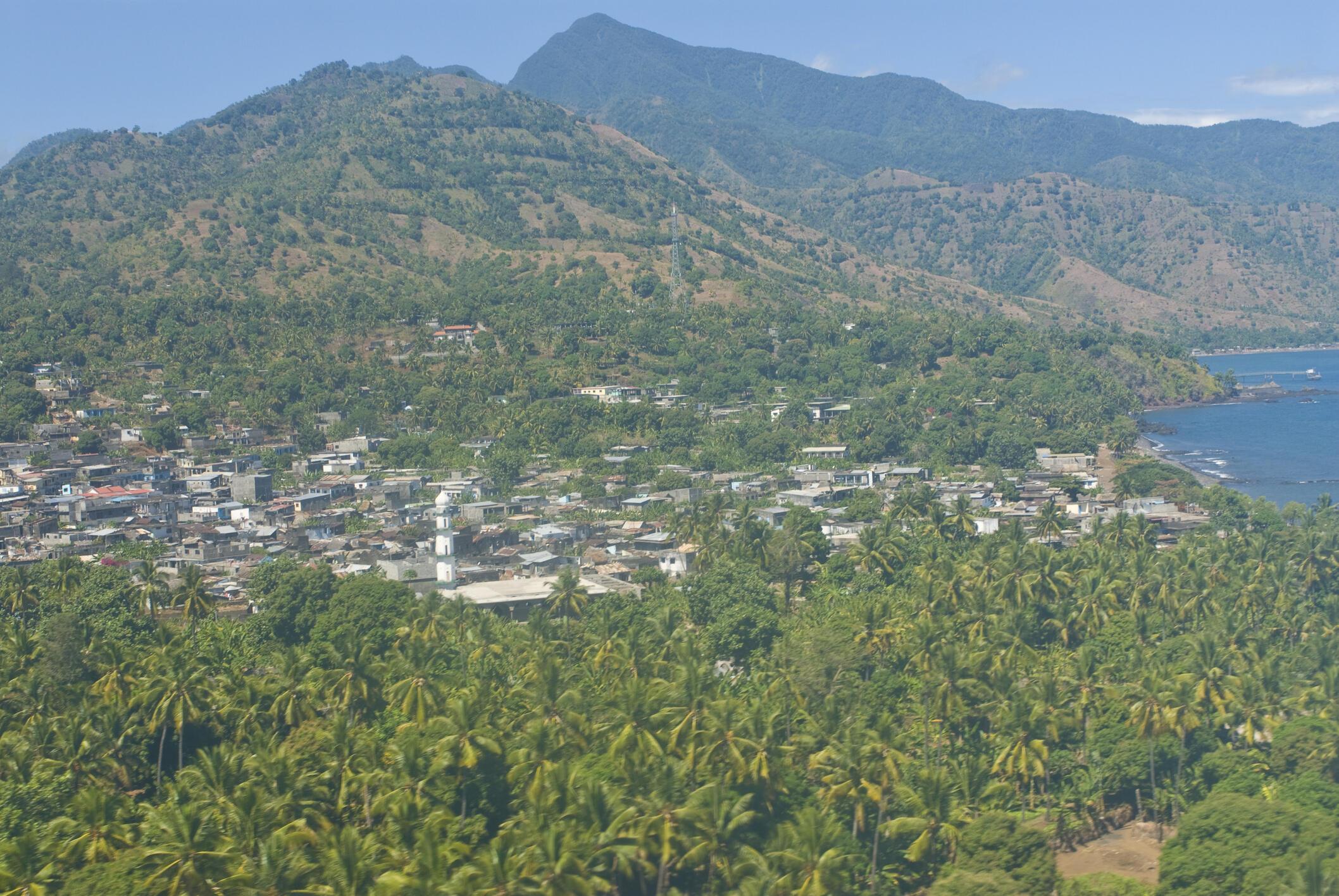 Sur l'île d'Anjouan, la réduction des forêt à un impact sur les habitants.