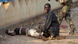 Selon un premier bilan, les tirs tchadiens auraient fait un mort et un blessé, ce lundi 23 décembre à Bangui.