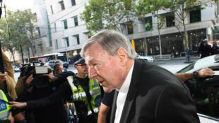 Le cardinal Pell à son arrivée mardi 1er mai au tribunal de Melbourne.