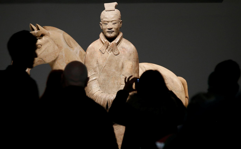Les soldats de terre cuite (ou Terracotta) ont été découvert par hasard en 1974 en Chine et sont régulièrement prêtés à des musées dans le monde. Ici, à Liverpool, au Royaume-Uni, le 6 février.