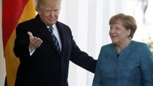 Donald Trump accueille la chancelière allemande Angela Merkel à la Maison Blanche, le 17 mars 2017.
