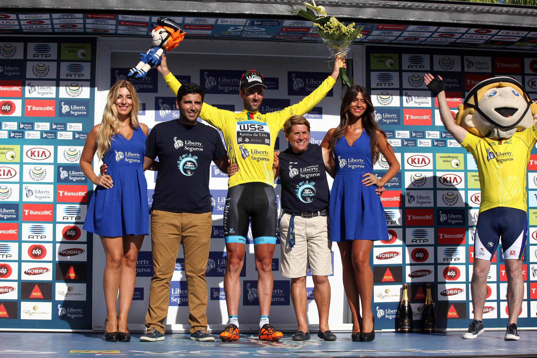 Gustavo Veloso (W52 - Quinta da Lixa) assegurou a conquista da camisola amarela após vencer a nona etapa da Volta a Portugal.