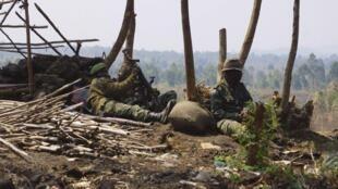 Wanajeshi wa Serikali ya Jamhuri ya Kidemokrasia ya Congo FARDC wakiwa kwenye doria huko Kivu Kaskazini