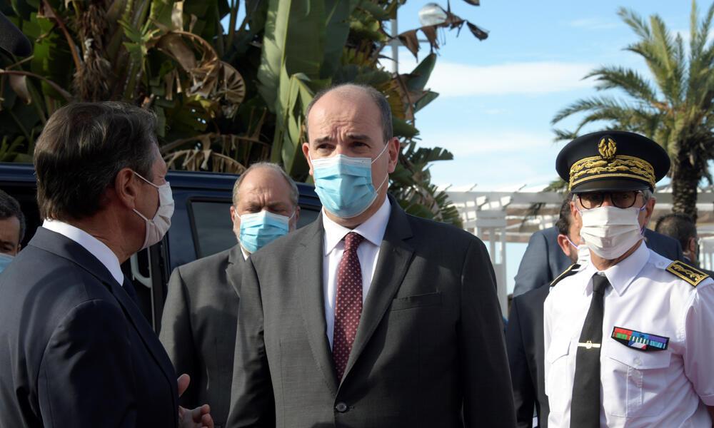 O primeiro-ministro francês, Jean Castex (no centro), durante visita a Nice neste sábado, 25 de julho de 2020.