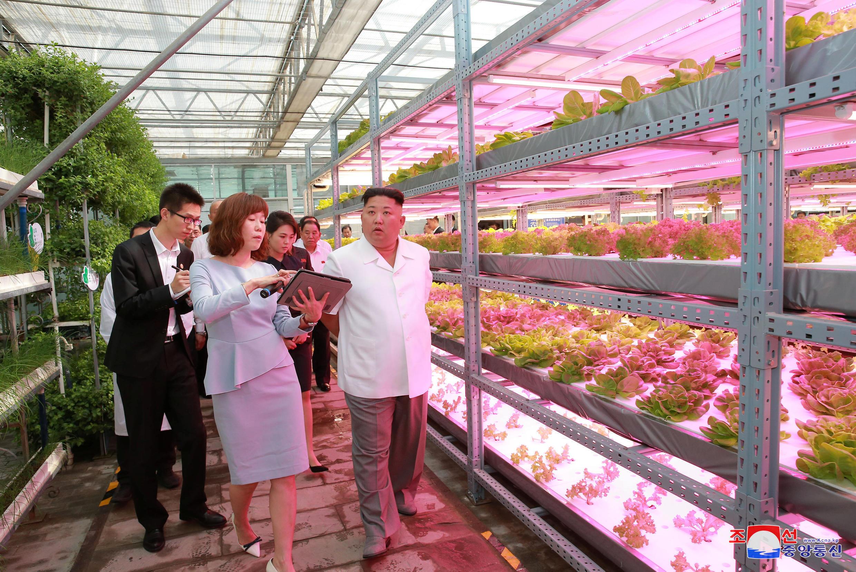O líder norte-coreano Kim Jong-Un em visita à China