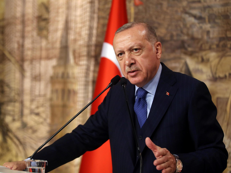 Recep Tayyip Erdogan teve que reagir diante do número de vítimas turcas nos bombardeios.