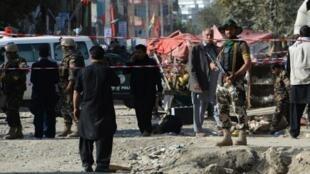 Polisi ya Afghanistan baada ya shambulio la kujitoa mhanga dhidi ya Msikiti wa Kishia Septemba 29, 2017 Kabul.