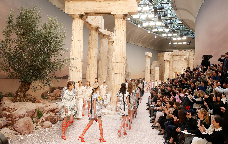 Depois de desfiles em Cuba, Cingapura, Dubai e Seul, Chanel volta para Paris com sua coleção Cruzeiro.