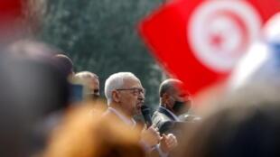 2021-07-26T084707Z_1773490400_RC211M9V1FDN_RTRMADP_3_TUNISIA-POLITICS-GHANNOUCHI