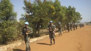 Patrouille de casques bleus aux alentours de Juba, au Soudan du Sud, le 16 décembre 2013.