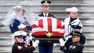 Lễ quốc tang TNS John McCain tại Nhà thờ Quốc gia, Washington, ngày 01/09/2018.