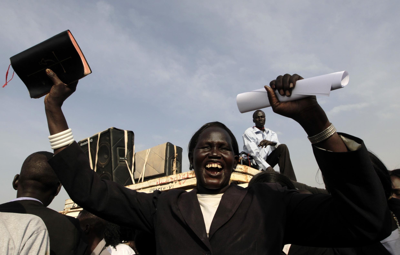 Христиане устроили шествие с Библиями и пением по улицам Джубы (административного центра Южного Судана) в день референдума 9 января 2011 года