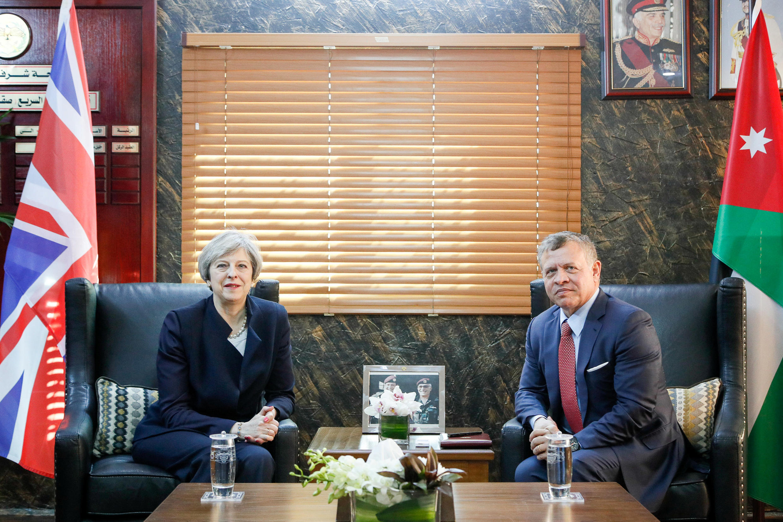 ملاقات ترزامی، نخستوزیر بریتانیا، قبل از عزیمت به شهر ریاض، پایتخت عربستان سعودی با ملک عبدالله پادشاه اردن دیدار و گفتگو کرد. ۱۴ فروردین/ ٣ آوریل ٢٠۱٧