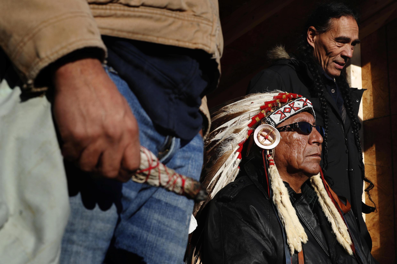 Le chef Arvol Looking Horse, leader spirituel des tribus sioux du Lakota, Dakota et Nakota, le 4 décembre 2016 au camp Oceti Sakowin.