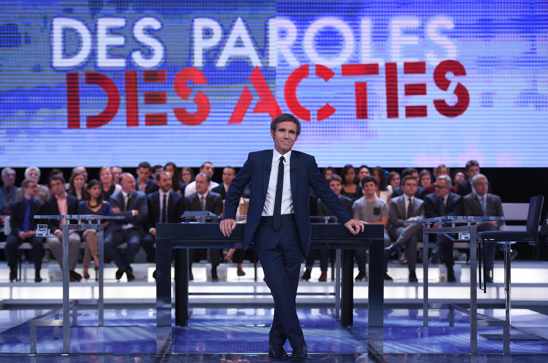 """Ведущий популярного французского ток-шоу """"Des Paroles et des Actes"""" на канале France 2 Дваид Пюжадас"""